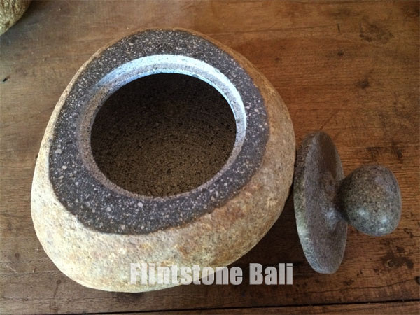 natural_stone_jar
