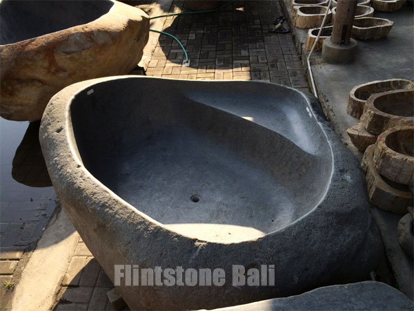 sitting_stone_bathtub